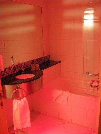 B&B Hotel Girona 3: Baño