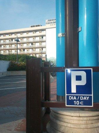 VIK Gran hotel Costa del Sol: entree parking payant 10 euros marmara merci