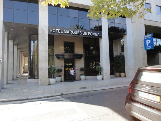 مارك دي بومبال هوتل: Entrada principal del hotel
