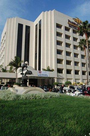 Hotel Pueblo Amigo Plaza & Casino: Excelente