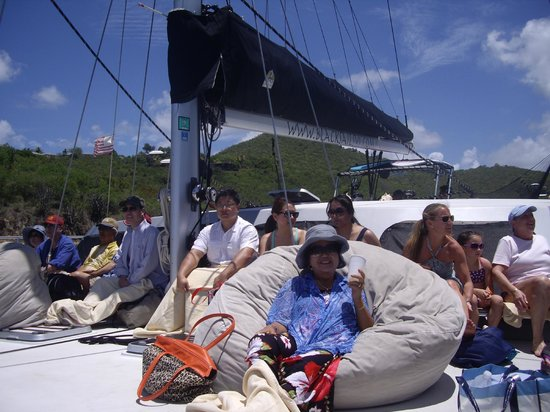 Kekoa Sailing Expeditions: Rlaxing on the deck