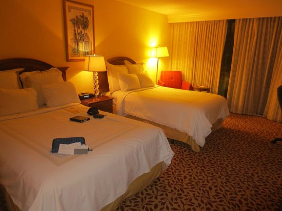 Fort Lauderdale Marriott North: the room