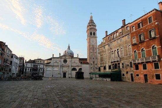 Ruzzini Palace Hotel: Blick auf den Campo