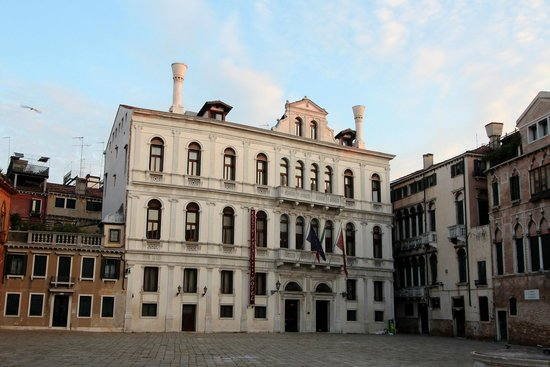 Ruzzini Palace Hotel: Hotelansicht vom Campo