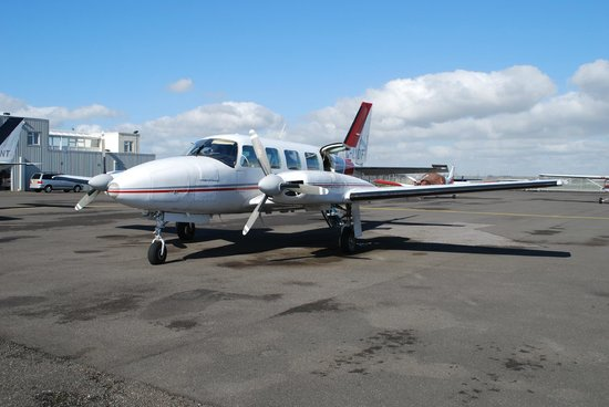 Lydd, UK: G-LYDF, the plane I flew in