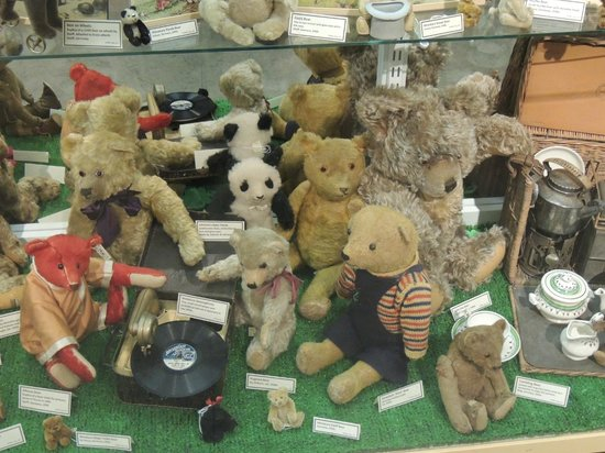 Brighton Toy and Model Museum: old bears