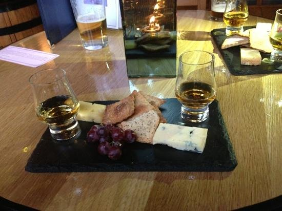 The Harbour Inn: cheese/whisky experience