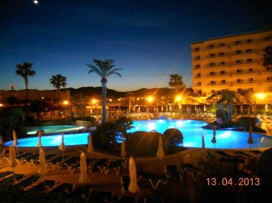 BQ Alcudia Sun Village: Kvällning