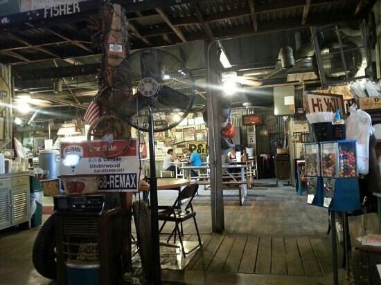 KD's Bar-B-Q: the coolest