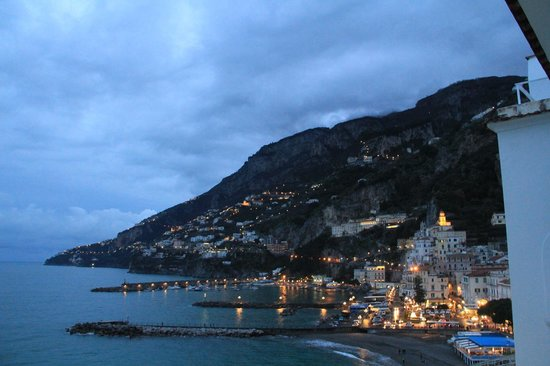 Hotel Marina Riviera: view of amalfi from our room's balcony