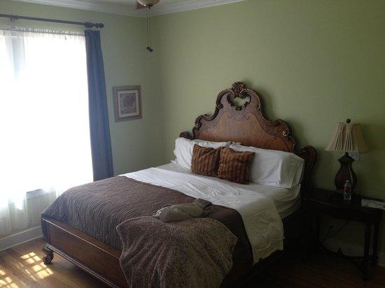 Cameron Inn: Room