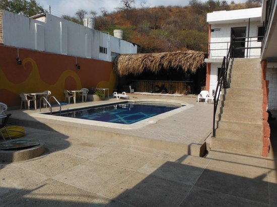 Nirvana Hostel Taganga: pool side