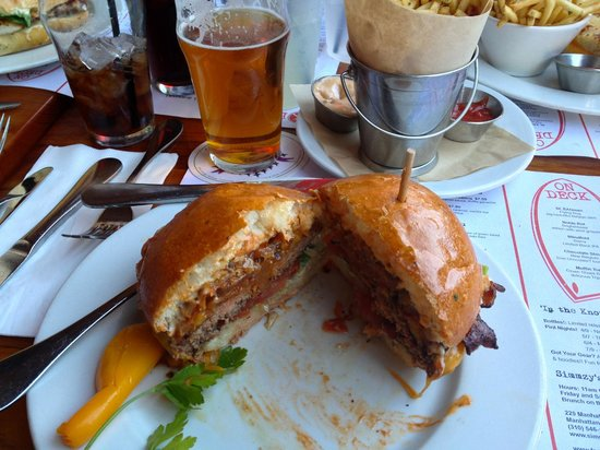 Simmzy's: Simmzy' Burger with Bacon and a nice IPA
