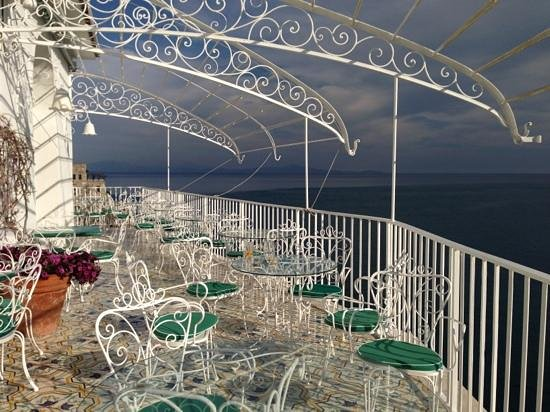 Hotel Marina Riviera: On the balcony overlooking the whole of amalfi with a glass of wine- nothing better!!!