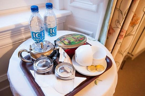 Rowanlea Guest House: a 'welcome tray' with teas, water, biscuits etc.