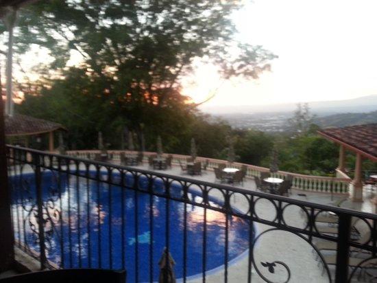 Ringle Resort Hotel & Spa: Sunset