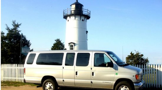 Oak Bluffs, Массачусетс: 15 passenger a/c vans
