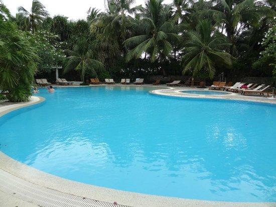 Kuramathi Island Resort: La piscine du spa
