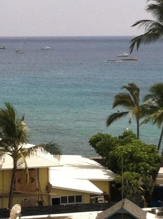 Kona Seaside Hotel: An amazing view from the balcony!