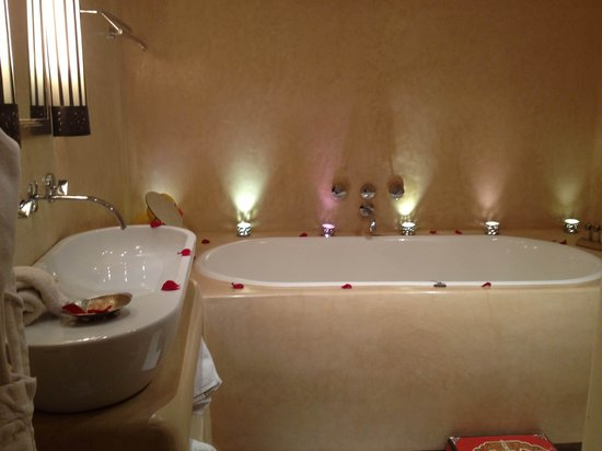 Maison MK : The bath