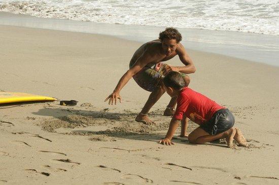 Karahe Beach Hotel: Surfen lernen im Trockenen