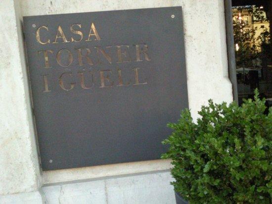 Mercer Hotels Casa Torner i Guell: placa a la entrada del Restaurant
