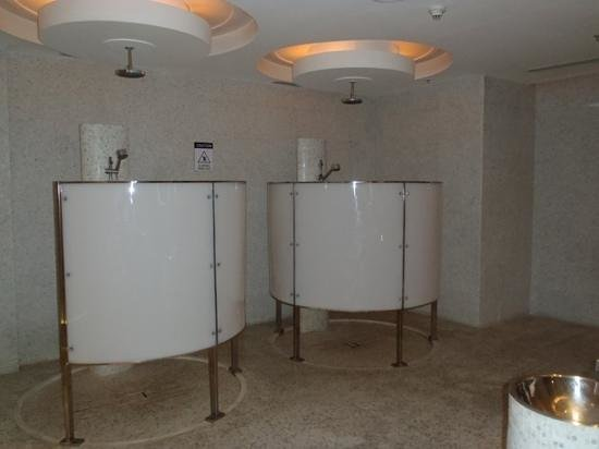 Gym spa change room showers picture of le meridien