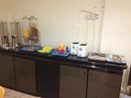 Madras Hotel Eminence: breakfast