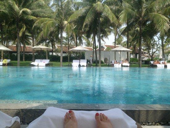 Four Seasons Resort The Nam Hai, Hoi An: At the pool