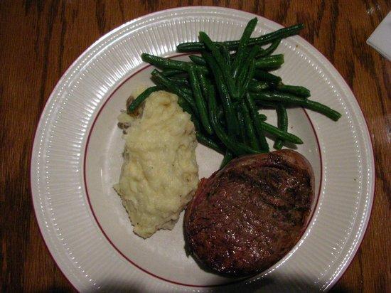 Garden City Steak & Grill: Fillet mignon