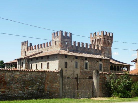Castello di Malpaga: castello malpaga