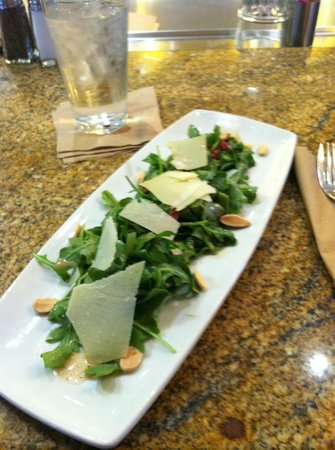 California Pizza Kitchen : appetizer salad- delicious!