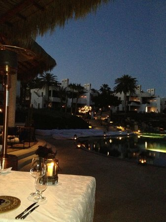 Las Ventanas al Paraiso, A Rosewood Resort: Dinning at night