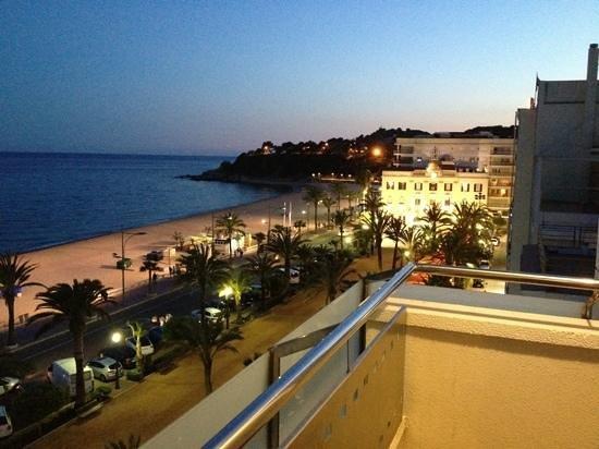 URH Hotel Excelsior: vue balcon tomber de la nuit