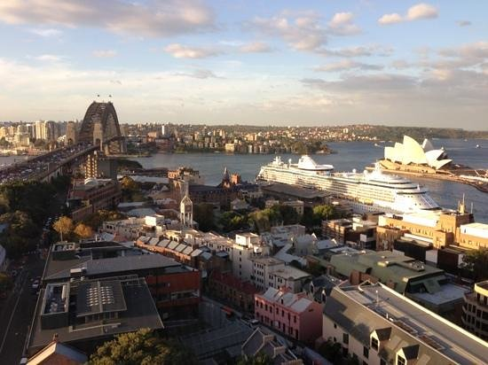 Shangri-La Hotel Sydney: wonderful autumn day in Sydney