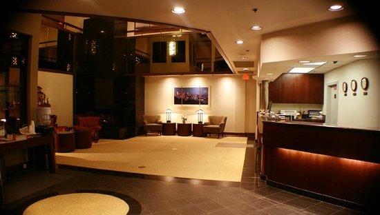 Hotel International: Lobby
