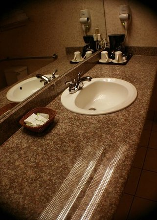 Hotel International: Bathroom