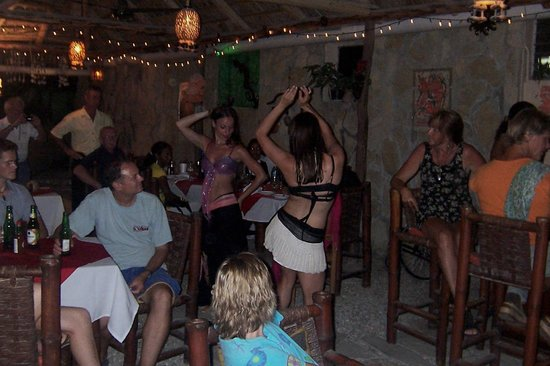 Hotel Alegria: Canadian belly dancers entertain fellow Alegria guests