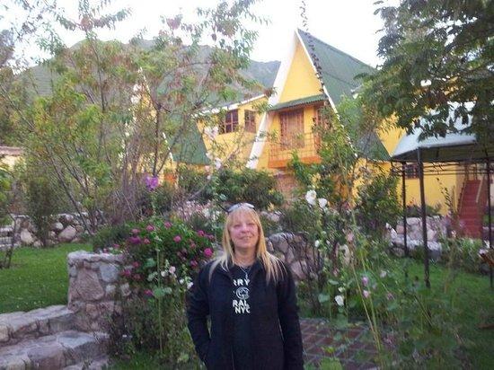 Amaru Valle Hotel: Parque y jardines