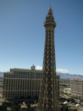 Paris Las Vegas: Vue de la tour Eiffel de notre chambre (3121)