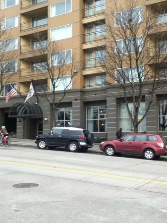 Homewood Suites by Hilton Seattle-Conv Ctr-Pike Street: Entrance to hotel