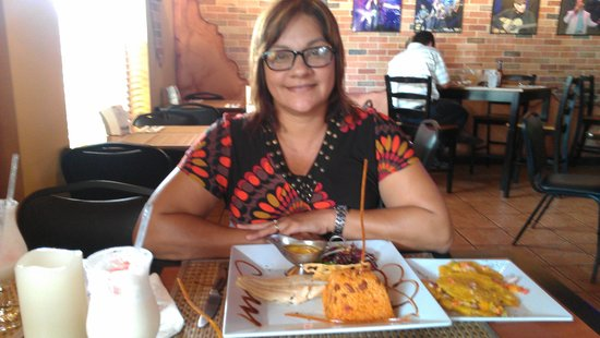 Greenhouse Cafe Dorado: Greenhouse Cafe, Dorado, PR celebrating our 31 wedding anniversary. Photo by Janet Santiago Negr