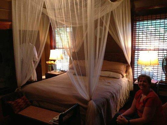 Silk Stocking Row: King bed in safari room