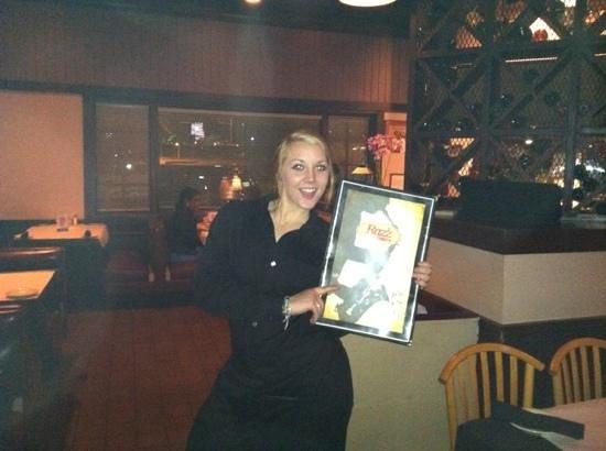 Raz'z Jazz Bar & Grill: a happy waitress