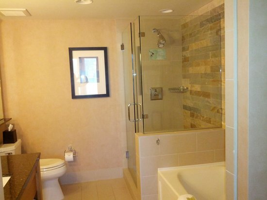 The Westin Verasa Napa: Master Bath