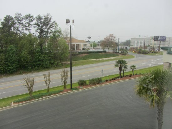 Wingate by Wyndham Columbia / Ft. Jackson: View of parking lot and unlit stadium-power lights