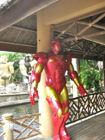 Isdaan Village : Even Iron Man is here