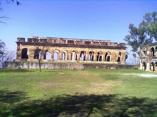 Hamirpur, อินเดีย: Fort
