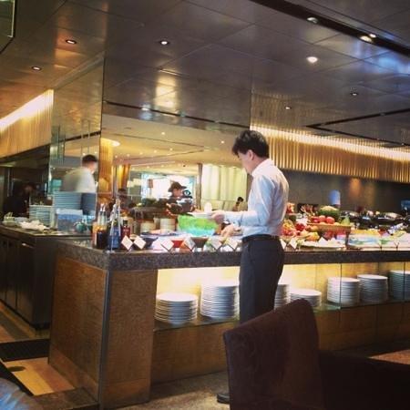 Shangri-La Hotel,Bangkok: next2 cafe