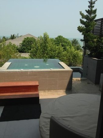Rest Detail Hotel Hua Hin: jacuzzi on the terrace
